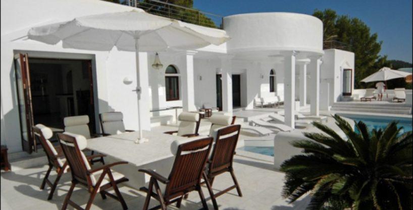 villa-284-5-bedrooms-cala-jondal14_630x472.jpg