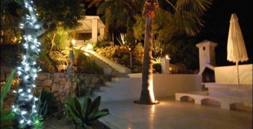 villa-284-5-bedrooms-cala-jondal21_630x472.jpg
