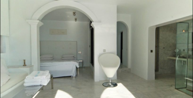 villa-284-5-bedrooms-cala-jondal27-2_630x472.jpg