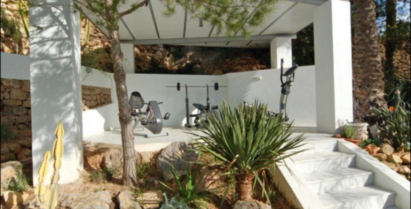 villa-284-5-bedrooms-cala-jondal33_630x472.jpg