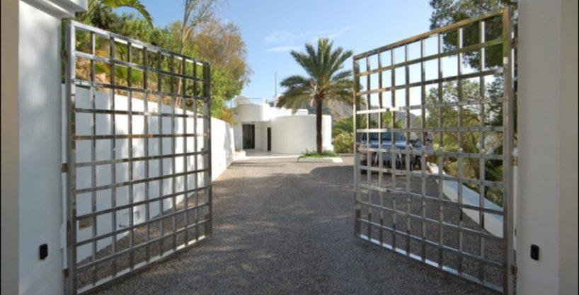 villa-284-5-bedrooms-cala-jondal34_630x472.jpg
