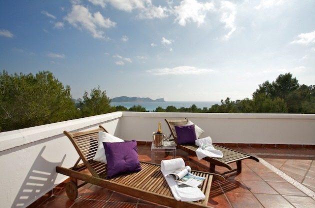 villa-286-5-bedrooms-cala-jondal06.jpg