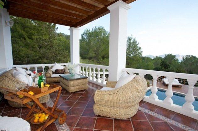 villa-286-5-bedrooms-cala-jondal07.jpg