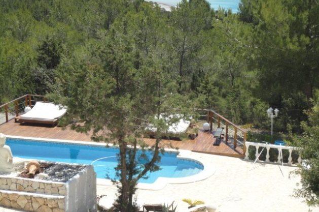 villa-286-5-bedrooms-cala-jondal16.jpg
