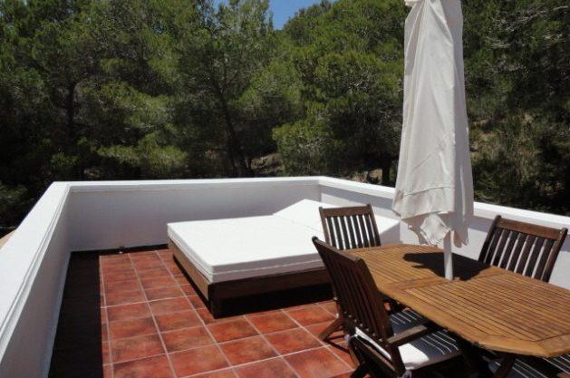villa-286-5-bedrooms-cala-jondal18.jpg