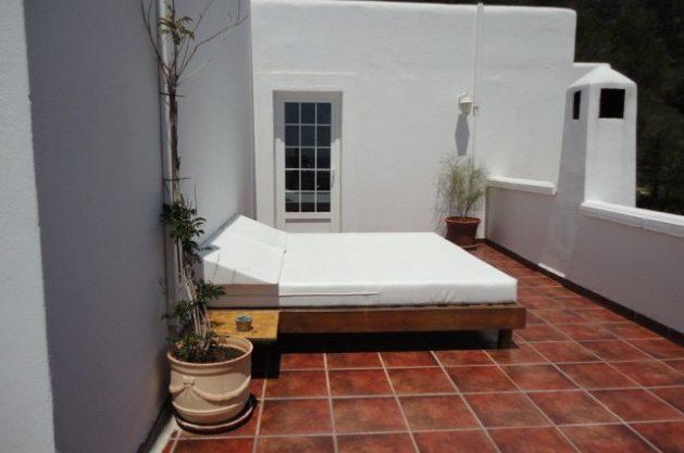 villa-286-5-bedrooms-cala-jondal19.jpg