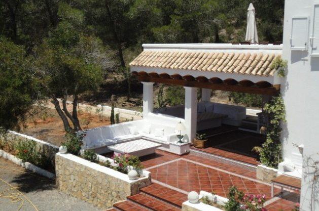 villa-286-5-bedrooms-cala-jondal20.jpg