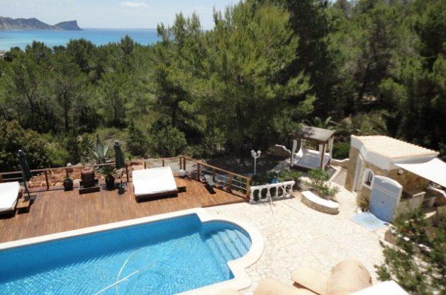 villa-286-5-bedrooms-cala-jondal22.jpg