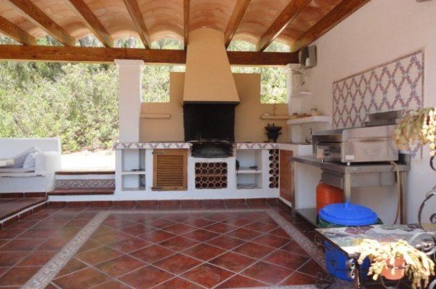 villa-286-5-bedrooms-cala-jondal25.jpg