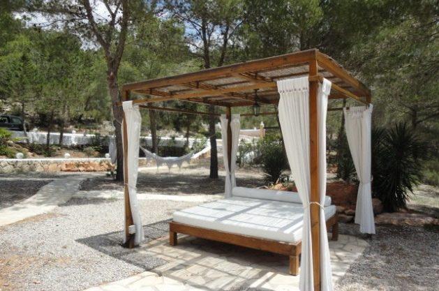 villa-286-5-bedrooms-cala-jondal31.jpg