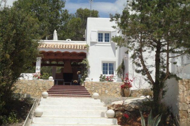 villa-286-5-bedrooms-cala-jondal32.jpg