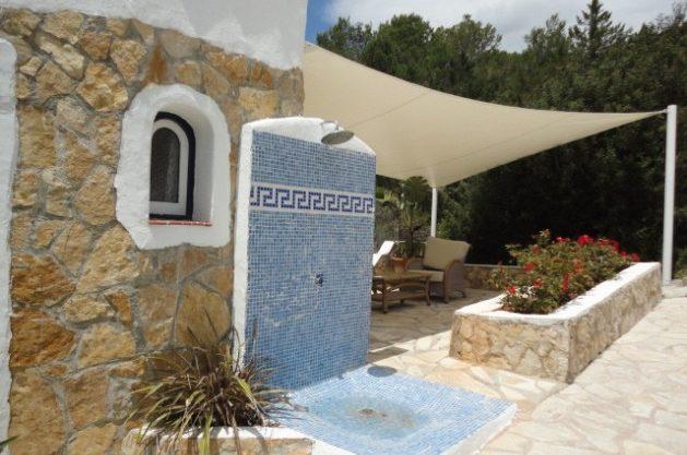 villa-286-5-bedrooms-cala-jondal33.jpg