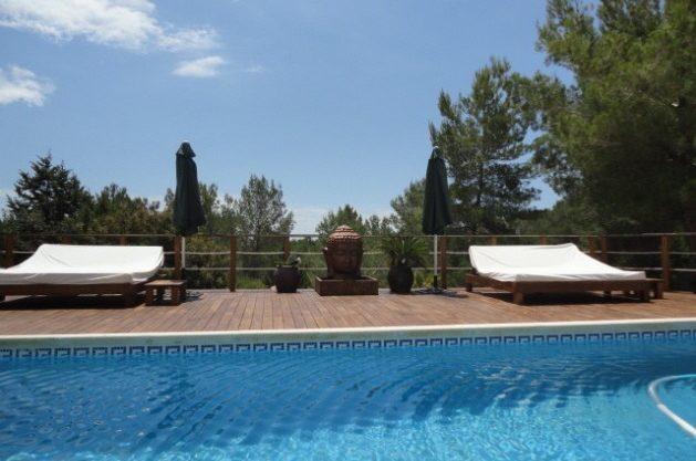 villa-286-5-bedrooms-cala-jondal37.jpg