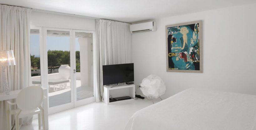 villa-294-12-bedrooms-porroig14.jpg