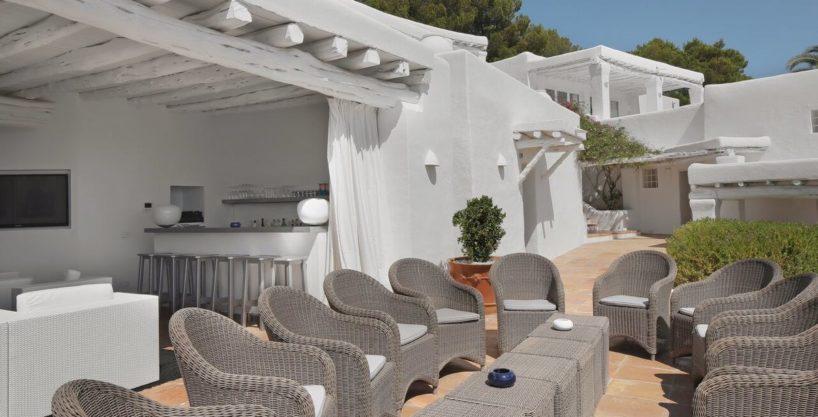 villa-294-12-bedrooms-porroig30.jpg
