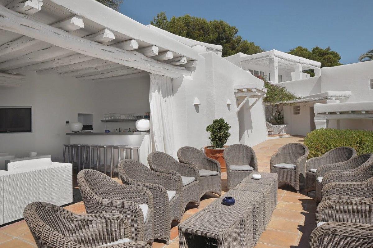 villa 294-12 bedrooms-porroig30