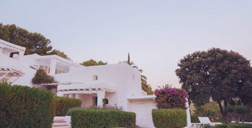 villa-294-12-bedrooms-porroig38.jpg