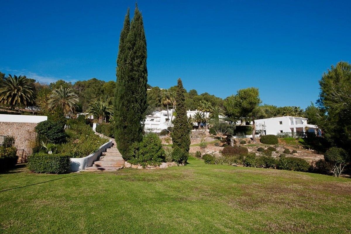 villa 294-12 bedrooms-porroig43
