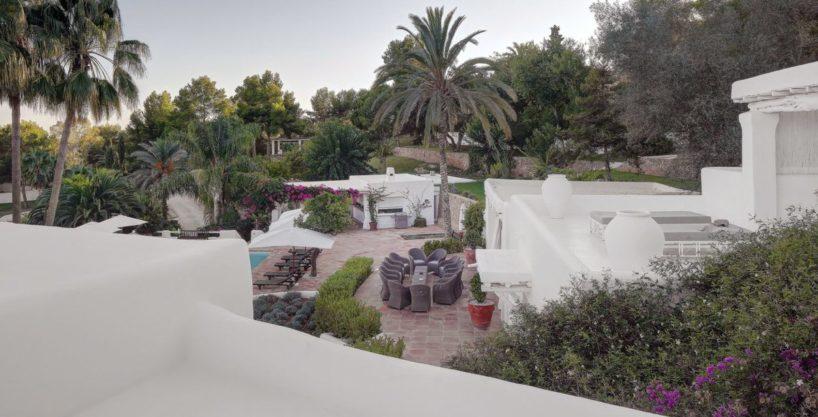 villa-294-12-bedrooms-porroig44.jpg