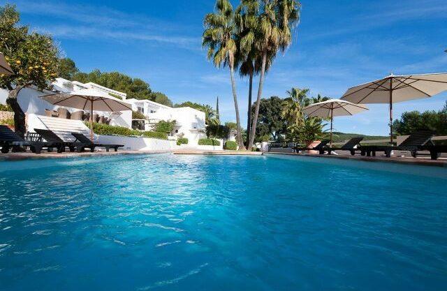 villa-294-12-bedrooms-porroig47.jpg