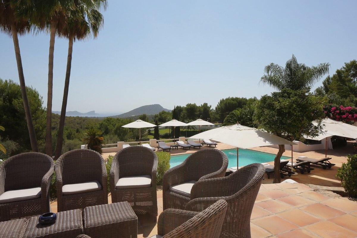 villa 294-12 bedrooms-porroig52