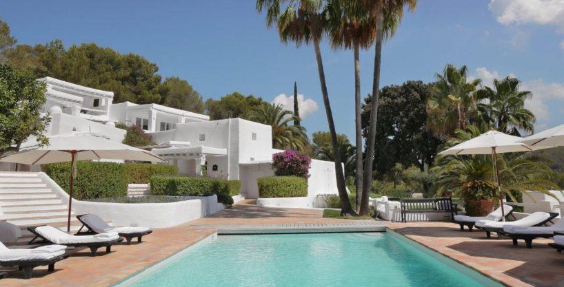 villa-294-12-bedrooms-porroig53.jpg