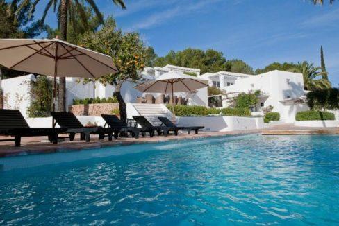 villa 294-12 bedrooms-porroig67
