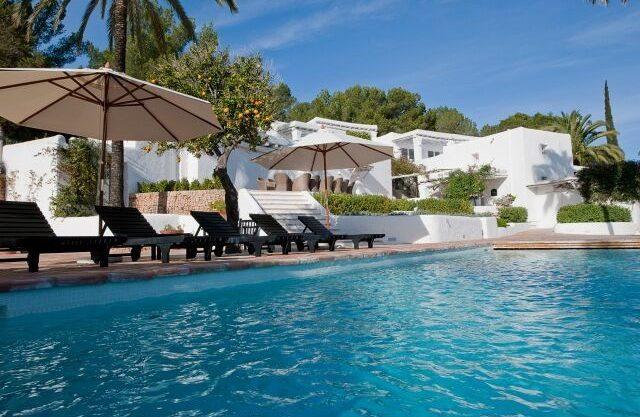 villa-294-12-bedrooms-porroig67.jpg