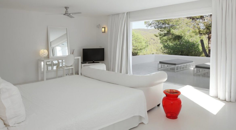villa 294-12 bedrooms-porroig76