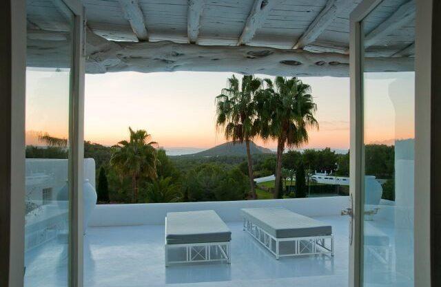 villa-294-12-bedrooms-porroig80.jpg