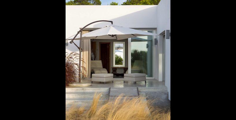 villa-317-6-bedrooms-cala-comta02.jpg