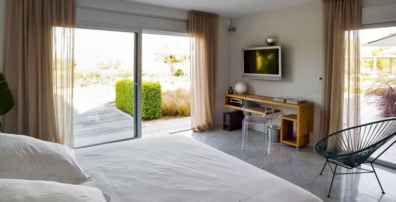 villa-317-6-bedrooms-cala-comta16.jpg