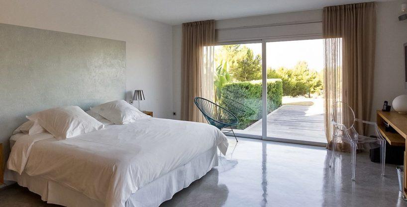 villa-317-6-bedrooms-cala-comta17.jpg