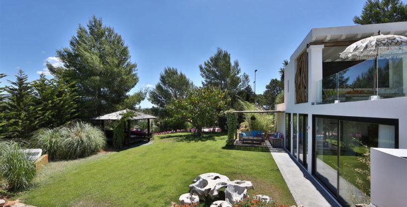 villa-314-8-bedrooms-san-lorenzo44.jpg