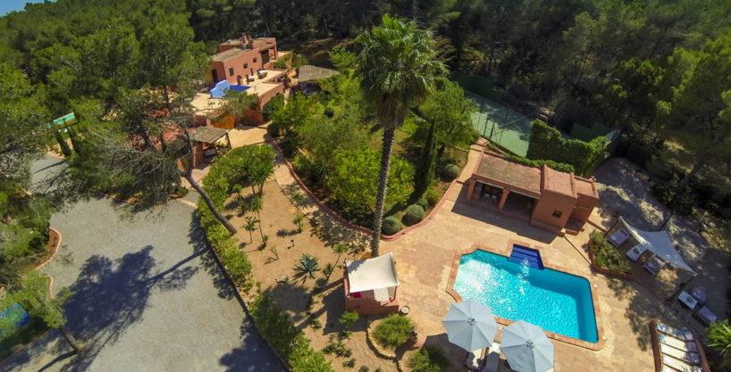 villa2098bedroomssgertrudis75.jpg