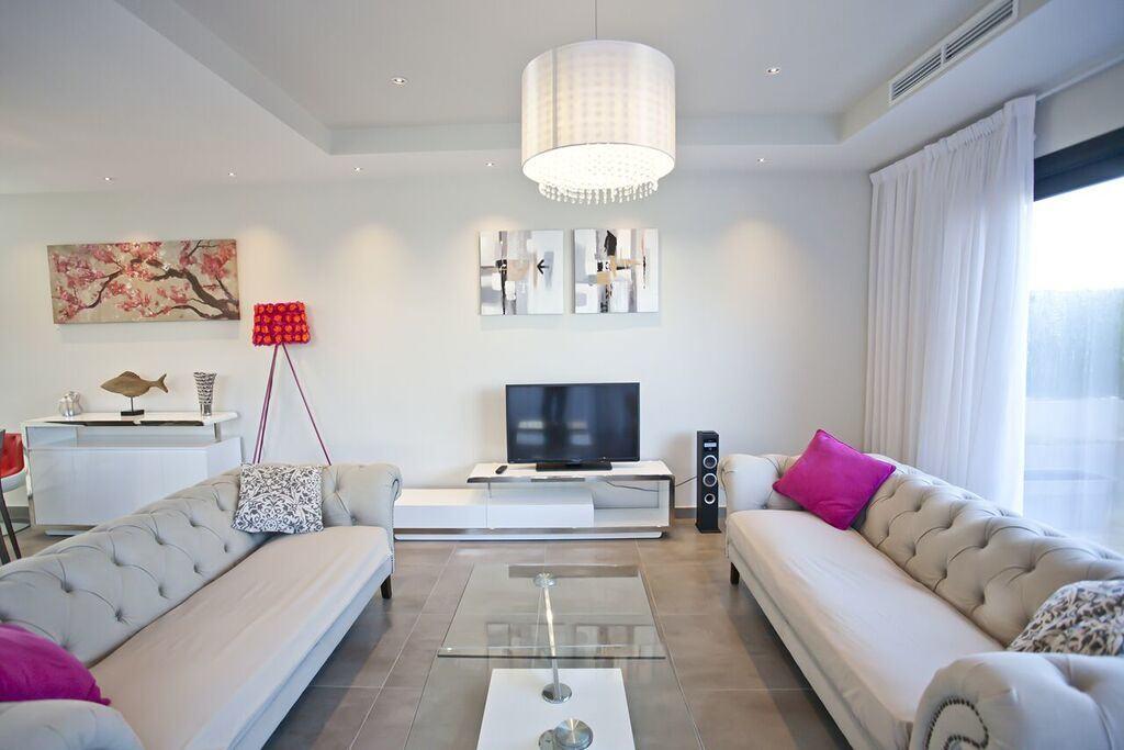 villa 318-6 bedrooms CASA LUI04