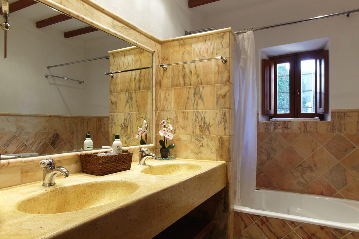 villa 66-6 bedrooms-sa carroca11