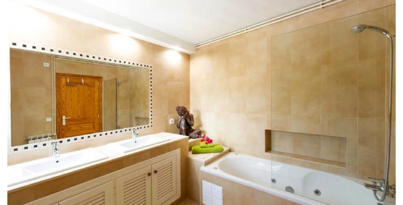 villa-15-4-bedrooms-sa-carroca01.jpg
