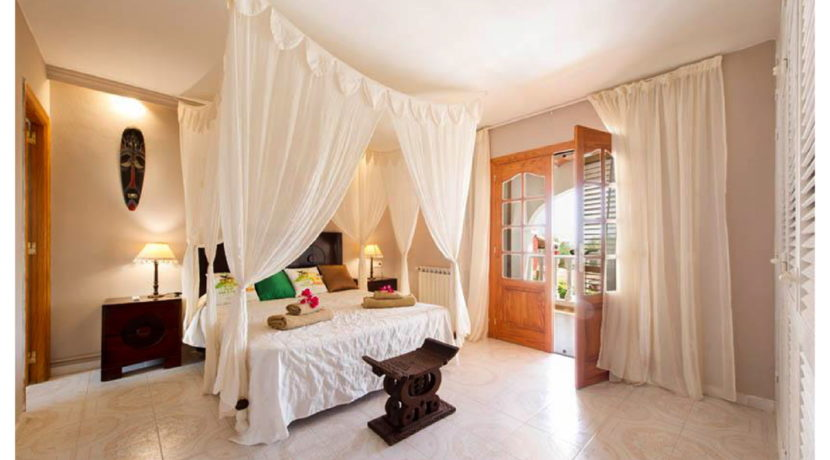 villa 15-4 bedrooms-sa carroca13