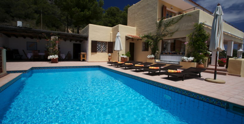 villa924bedroomsescubells11.jpg