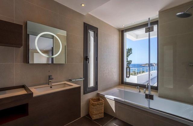 villa-308-5-bedrooms-talamanca11.jpg