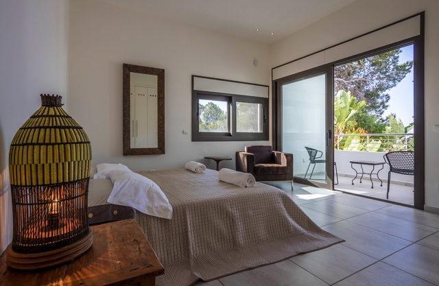 villa-308-5-bedrooms-talamanca17.jpg
