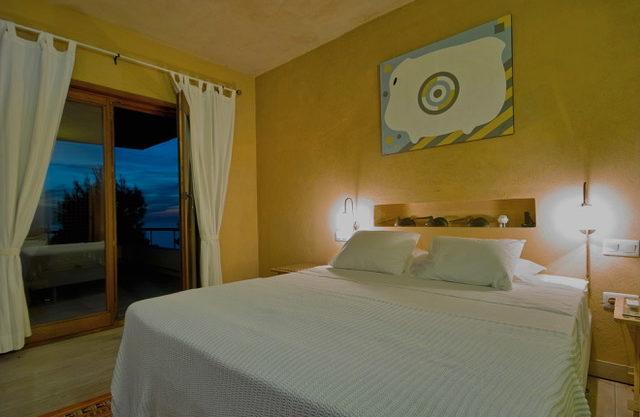 villa-326-4-bedrooms-cala-salada10.jpg