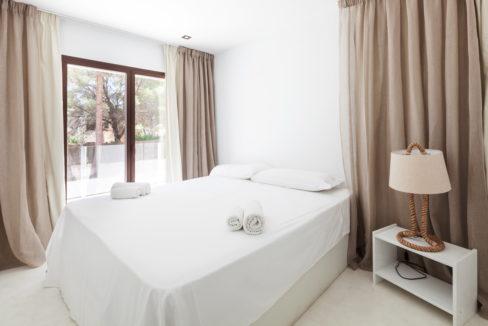 villa 211 - 4 bedrooms - cala jondal32