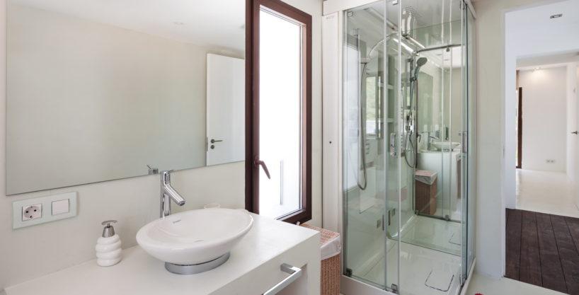 villa-211-4-bedrooms-cala-jondal33.jpg