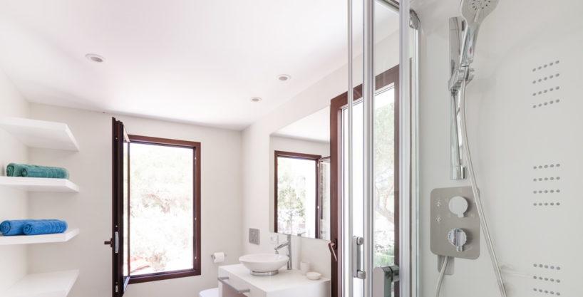 villa-211-4-bedrooms-cala-jondal35.jpg