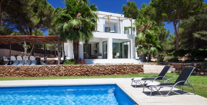 villa-211-4-bedrooms-cala-jondal52.jpg