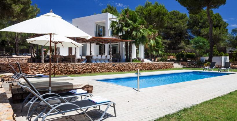 villa-211-4-bedrooms-cala-jondal59.jpg