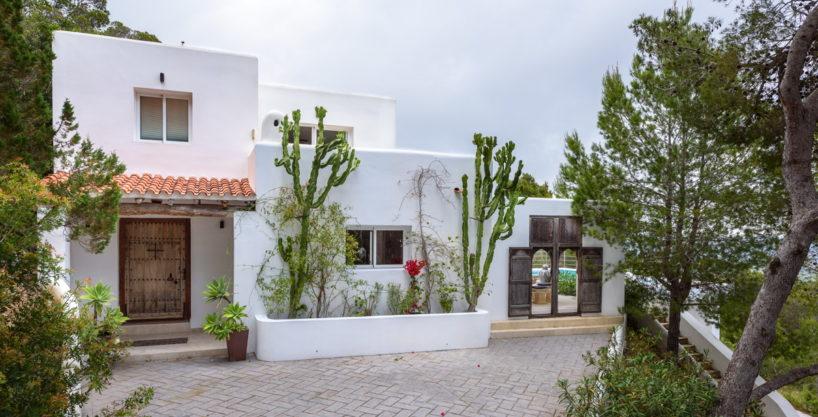 villa-279-6-bedrooms-es-cubells00.jpg