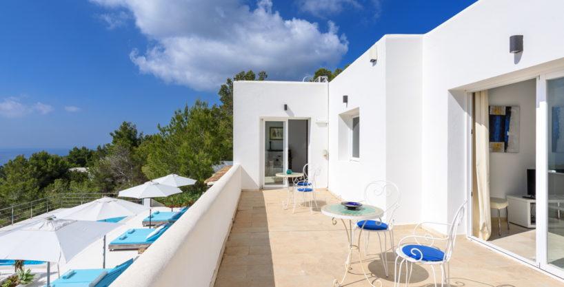 villa-279-6-bedrooms-es-cubells10.jpg